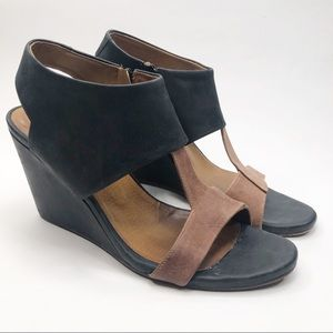 Coclico Two Tone Wedge Sandals